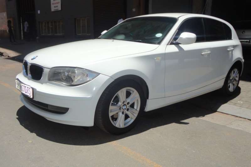 BMW 1 Series 118i 5 door 2010