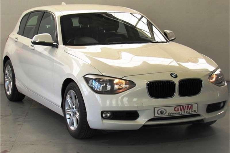BMW 1 Series 118i 5-door 2011