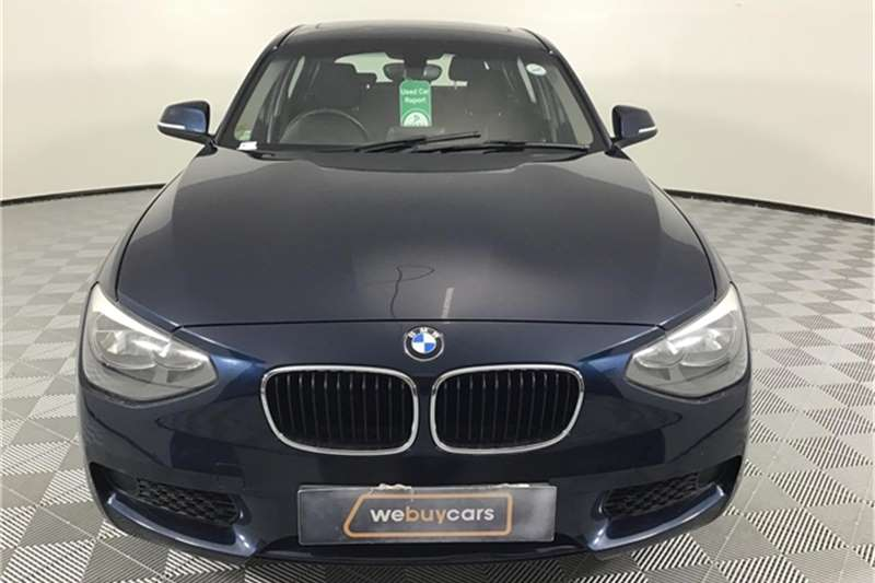 BMW 1 Series 118i 5-door 2011
