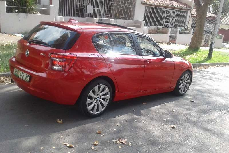 BMW 1 Series 118i 5 door 2012