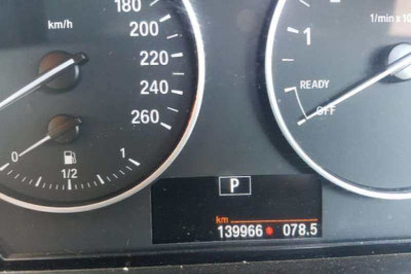 BMW 1 Series 118i 5 door 2012