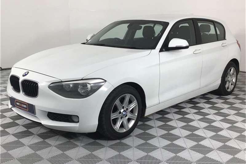 BMW 1 Series 118i 5-door 2012