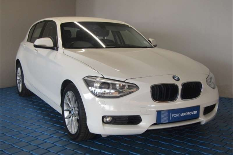 BMW 1 Series 118i 5 door 2015