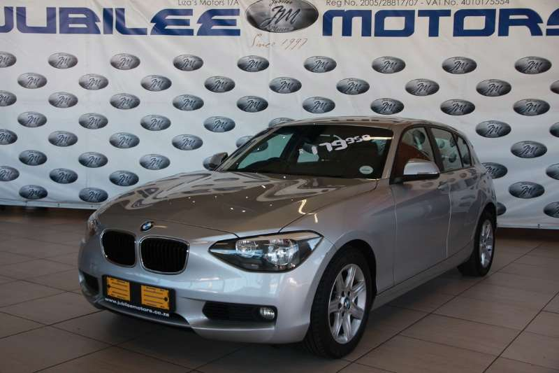 BMW 1 Series 118i 5 door auto 2013