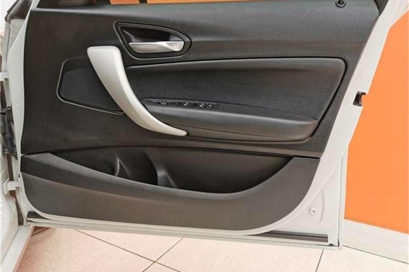 BMW 1 Series 118i 5 door auto 2016