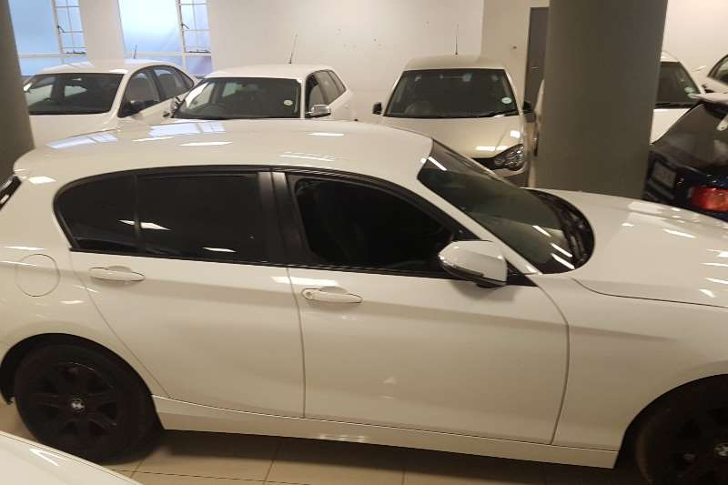 BMW 1 Series 118i 5 door Urban 2012