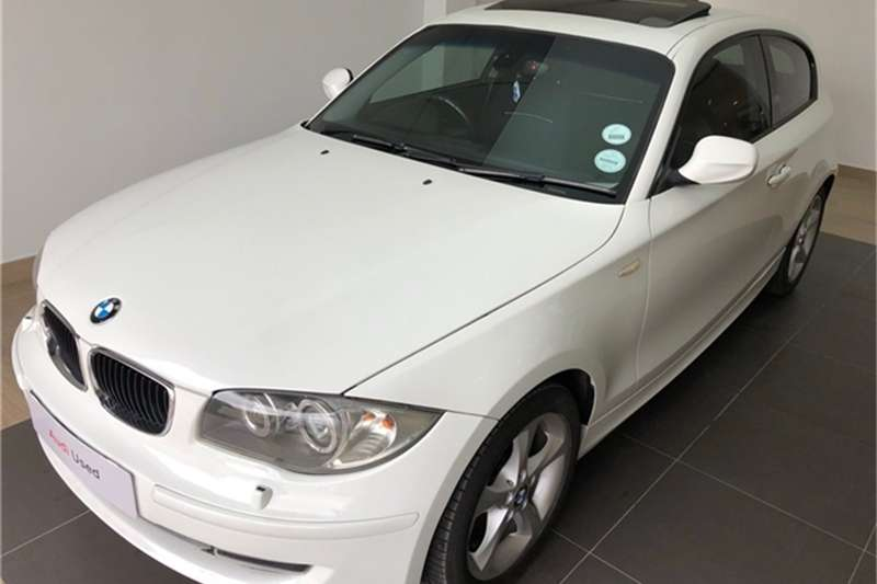 BMW 1 Series 120i 3 door steptronic 2010