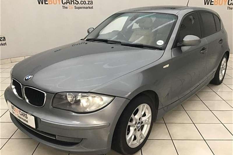 BMW 1 Series 120i 5 door 2009