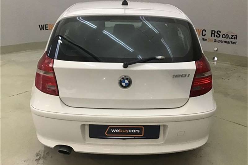 BMW 1 Series 120i 5 door 2009