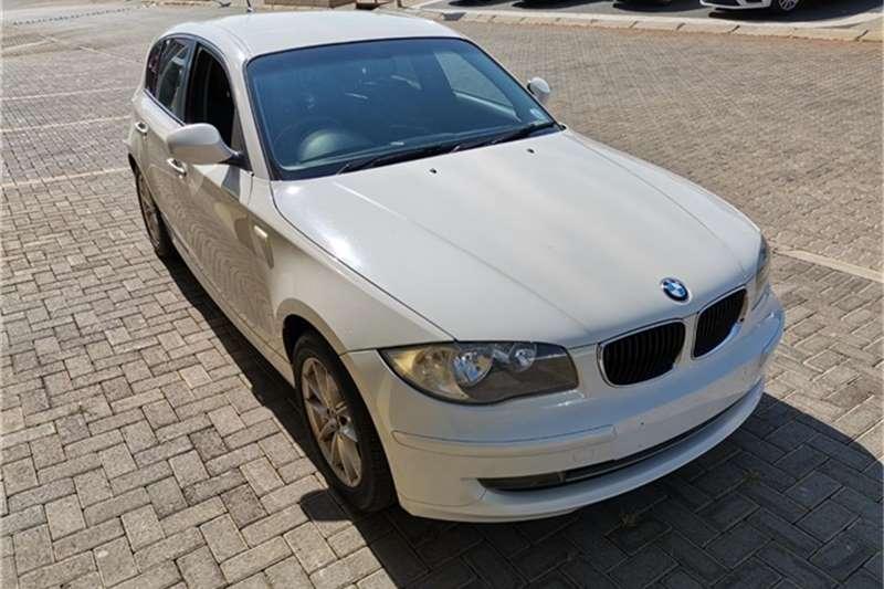 BMW 1 Series 120i 5 Door 2011