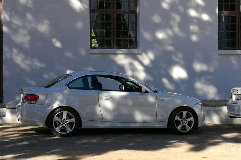 BMW 1 Series 125i coupe auto 2010