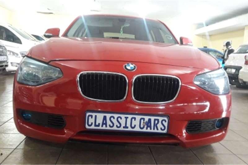 BMW 1 Series 5-door 118i 2012