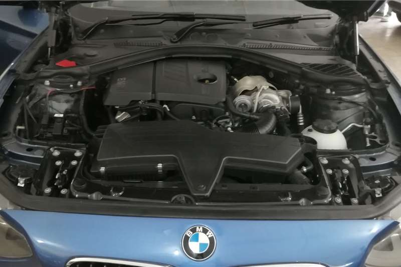 2013 BMW 1 Series 5-door 118i A/T (F40)