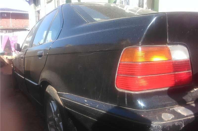 BMW 3 Series 318i 2000