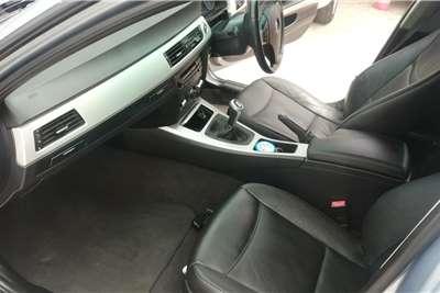 BMW 3 Series 320i 2010
