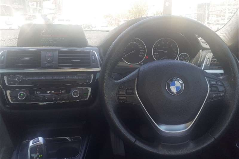 2018 BMW 3 Series 320i auto
