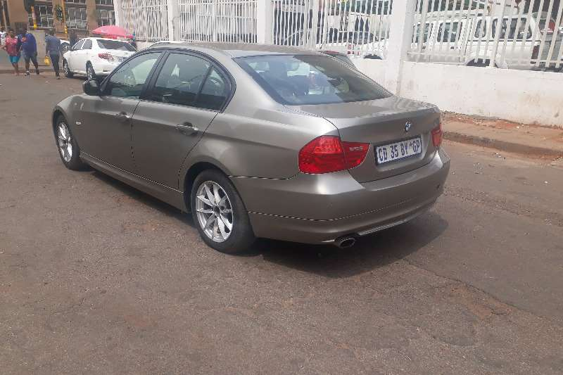 BMW 3 Series 320i Dynamic Edition 2010