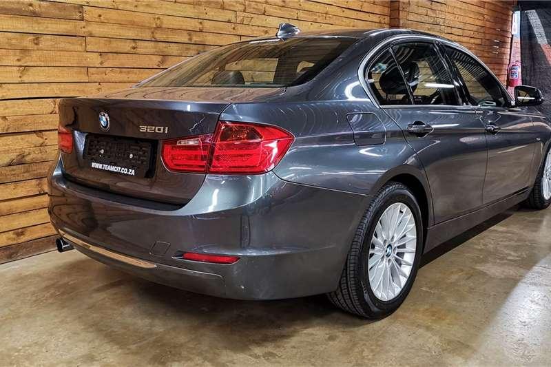 BMW 3 Series 320i Luxury 2012
