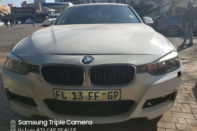 BMW 3 Series 320i Luxury 2013