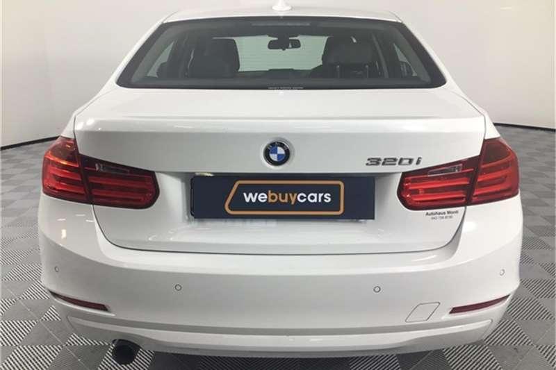 BMW 3 Series 320i Luxury 2014