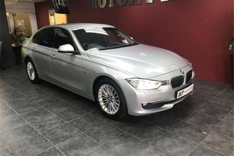 BMW 3 Series 320i Luxury Auto 2013