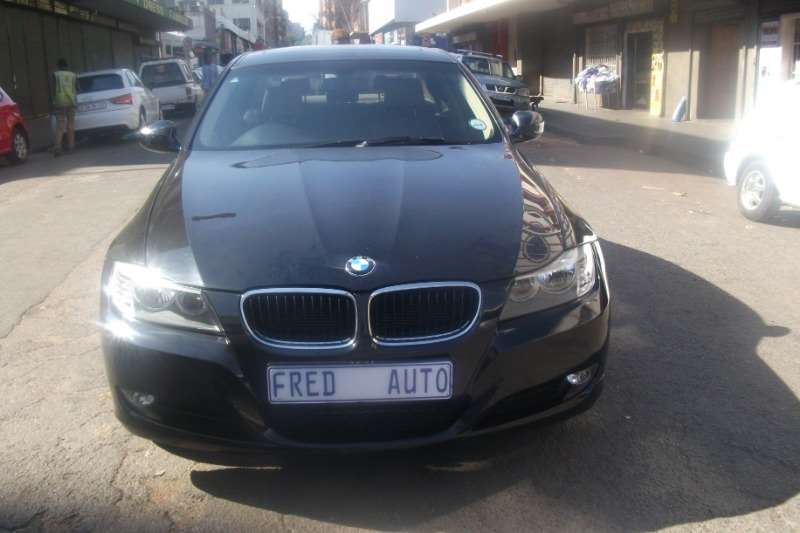 BMW 3 Series 320i Luxury Line 2010