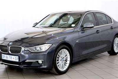 BMW 3 Series 320i Luxury Line A/T 2015