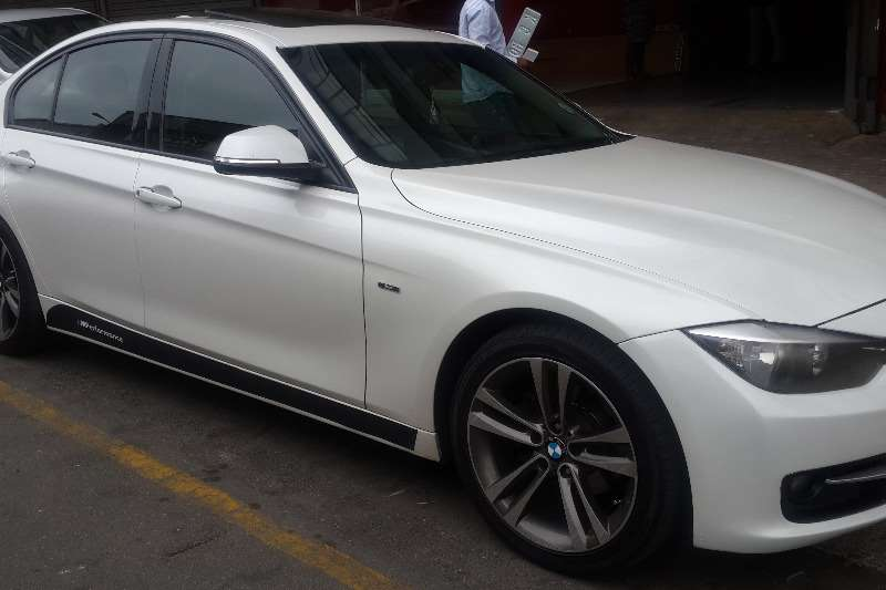 BMW 3 Series 320i M Performance Edition sports auto 2013