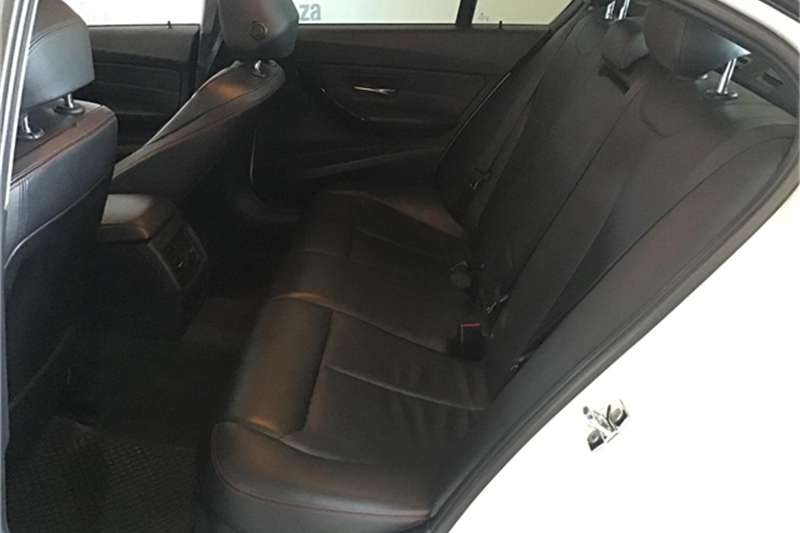BMW 3 Series 320i Sport 2012