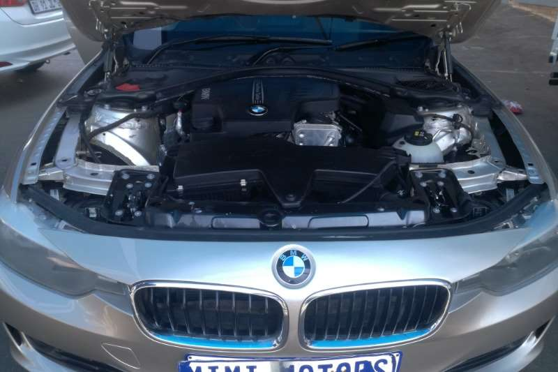 BMW 3 Series 320i Sport Line 2014