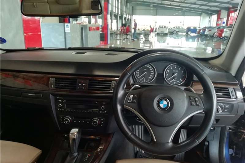 Used 2011 BMW 3 Series 325i coupé auto