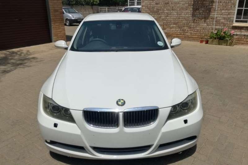 BMW 3 Series 330i 2005