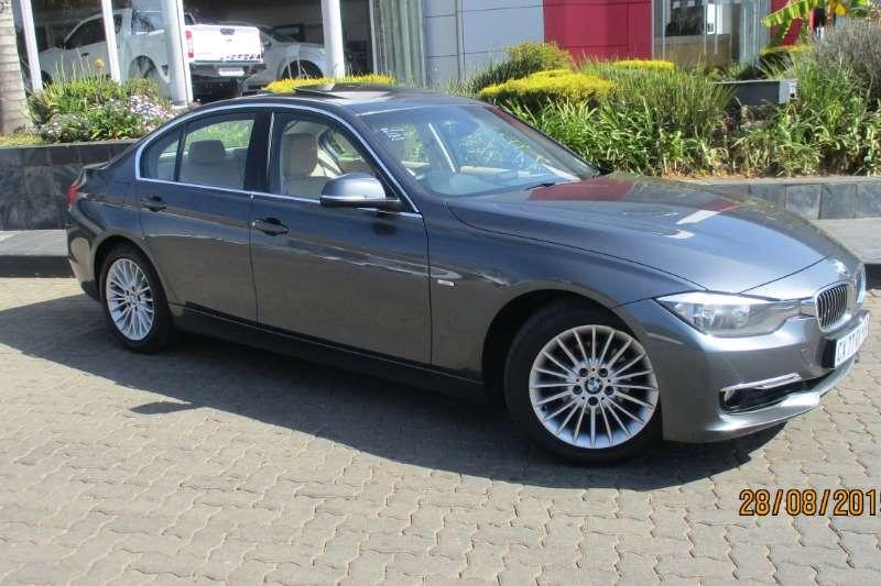 2014 BMW 3 Series 320i Luxury auto