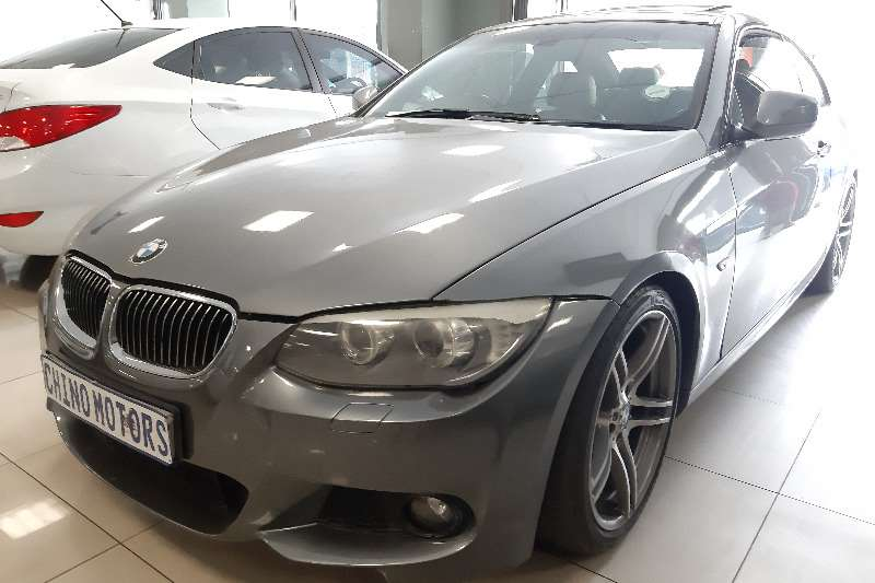 2012 BMW 3 Series 325i coupé auto