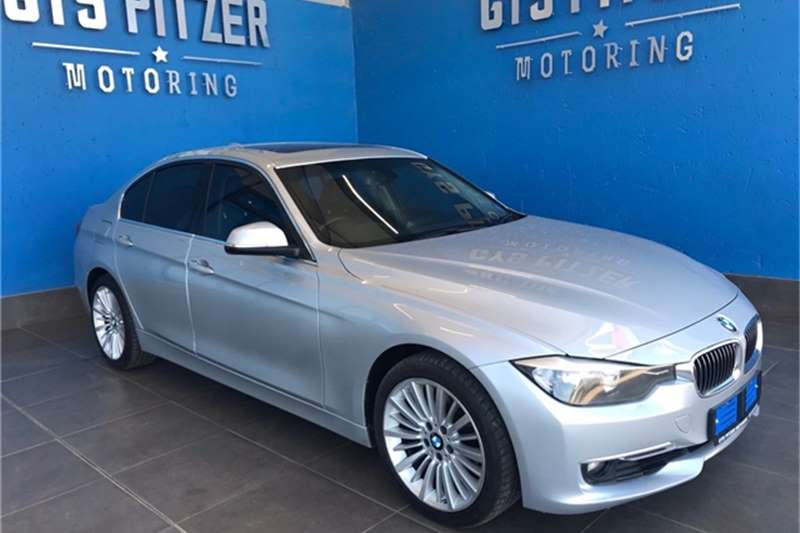 2015 BMW 3 Series 320i Luxury auto