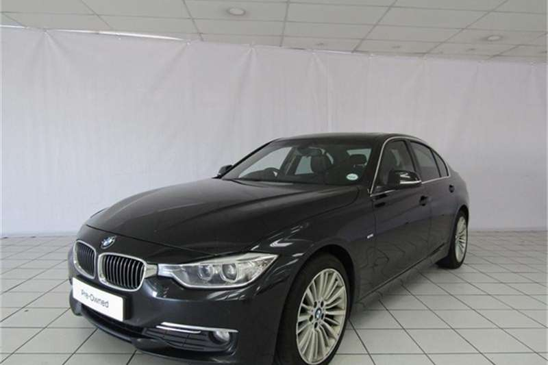 2013 BMW 3 Series 320i Luxury auto