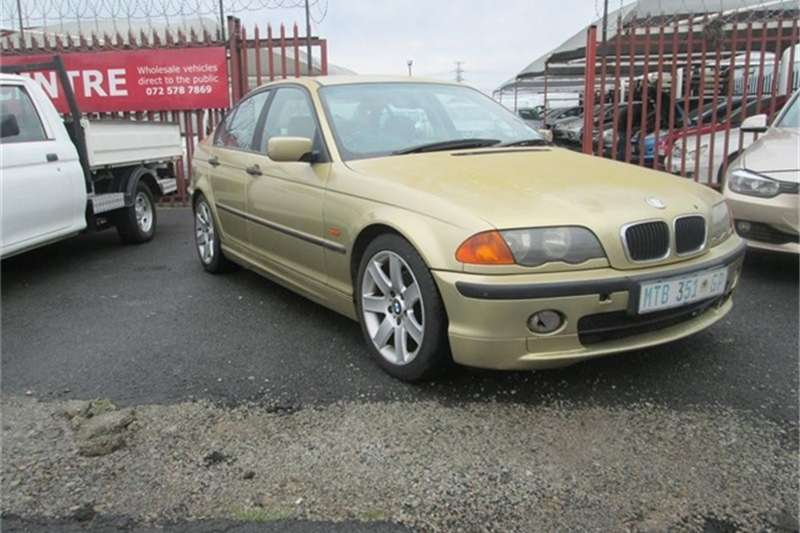 BMW 3 Series Sedan 318i 2001