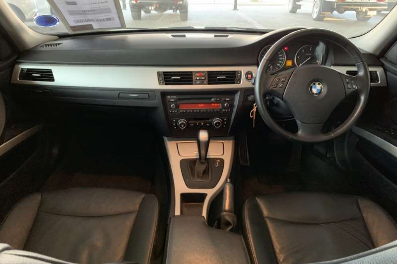 BMW 3 Series sedan 320D EXCLUSIVE A/T 2011