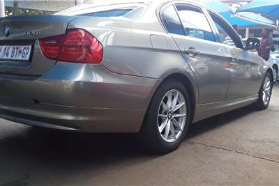 BMW 3 Series Sedan 320i AT (G20) 2010