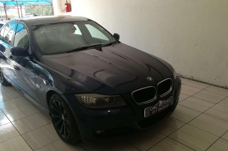 BMW 3 Series Sedan 320i sedan 2010