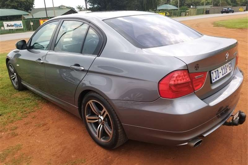 BMW 3 Series Sedan BMW 320i 6speed man 2010