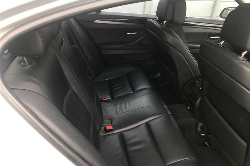 BMW 5 Series 520d Exclusive steptronic 2011
