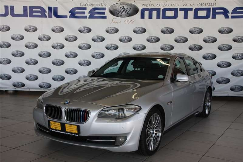 BMW 5 Series 523i Exclusive 2011