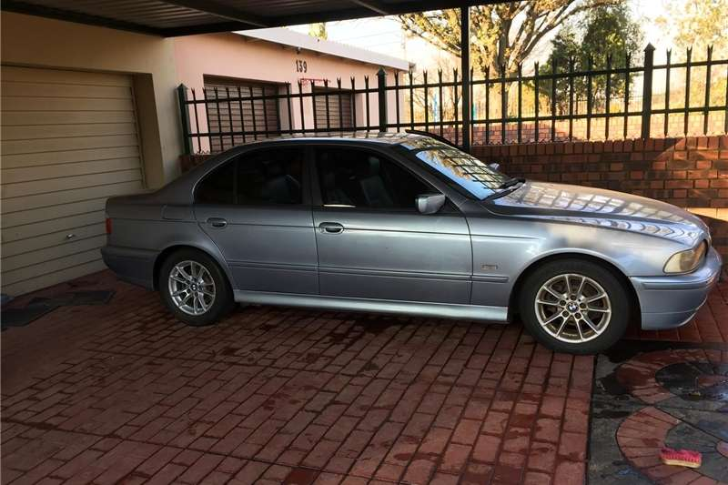 BMW 5 Series 525i Sport steptronic 2003