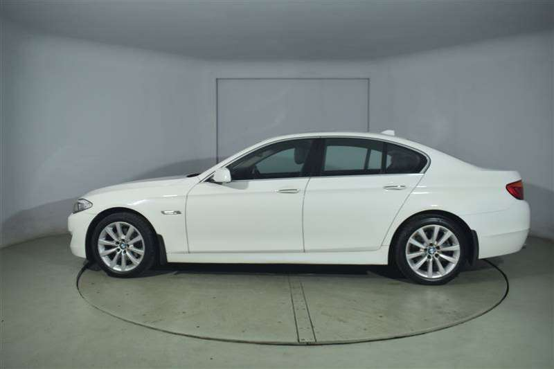 BMW 5 Series A/T EXCLUSIVE (F10) 2010