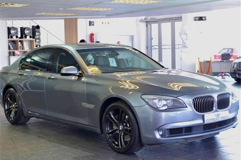 BMW 7 Series INNOVATION (F01) 2011