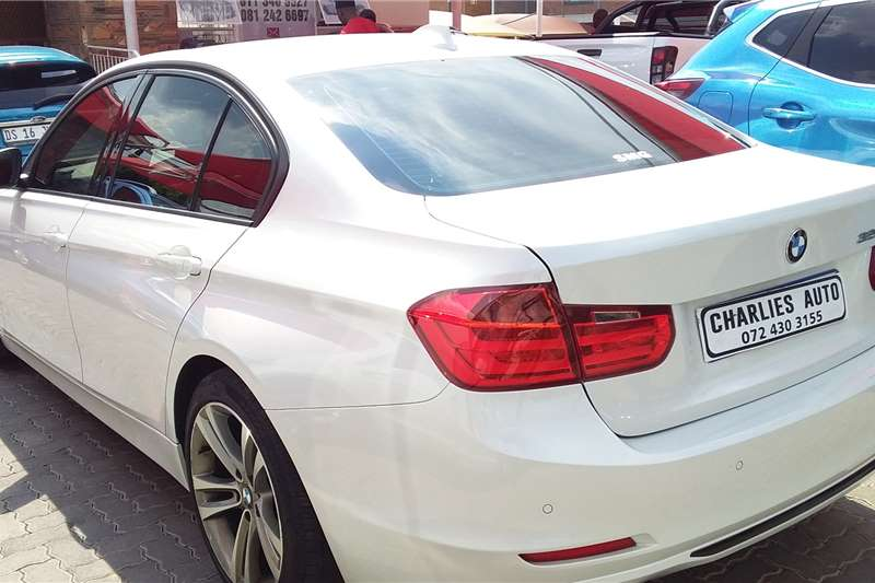 BMW M3 320i 2013