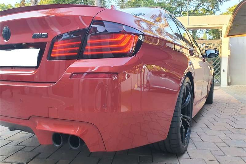 BMW M5 Sedan M5 M DCT (F90) 2015