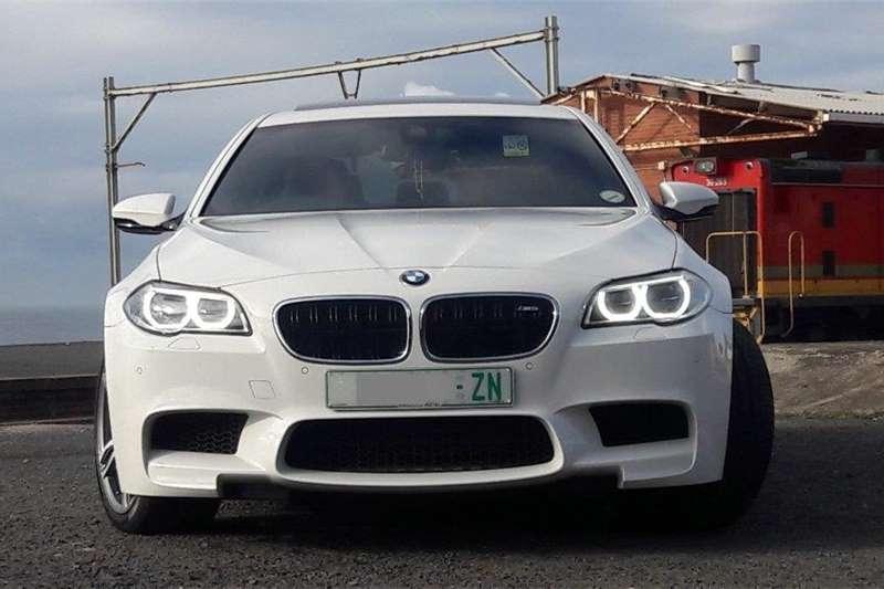 BMW M5 Sedan M5 M DCT (F90) 2016
