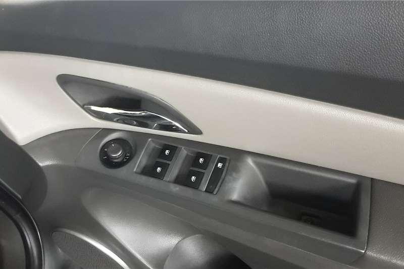 Chevrolet Cruze 1.6 LS 2012